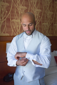 49_ReadyToGoPRODUCTIONS_New York_New Jersey_Wedding_Photographer_groom_prep_