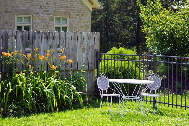 Wood or Vinyl Fencing – Which is the Best Choice