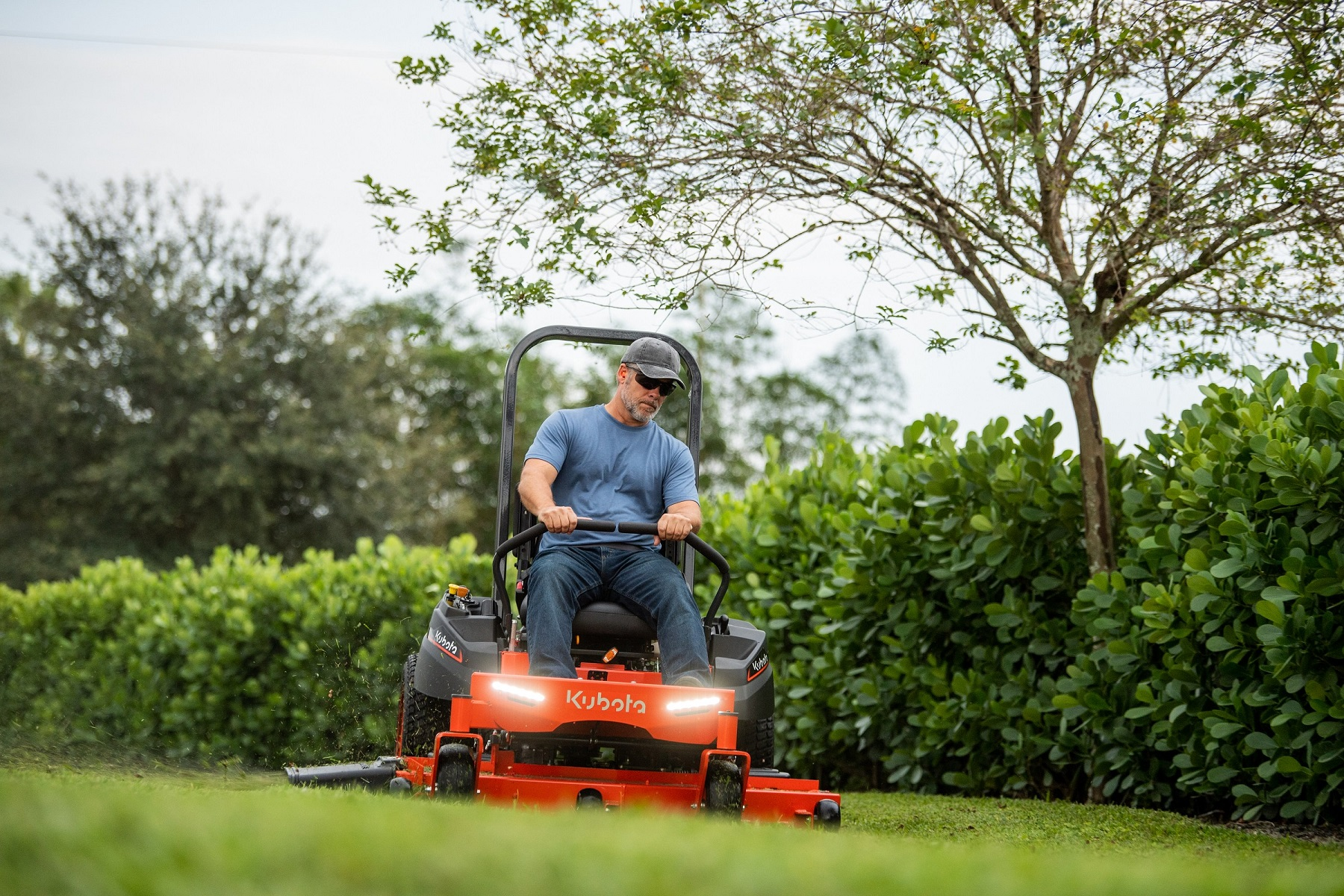 Kubota zero turn mower z200