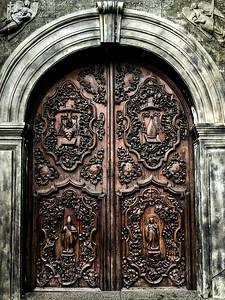 Museo San Agustin: Church & Monastery — original door