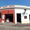 Häuserzeile in Antigua Guatemala<br /> Street front in Antigua Guatemala