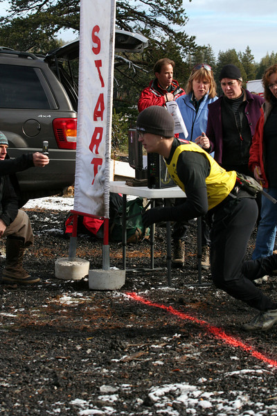 asc_run-biathlon2010_aaron-m-start