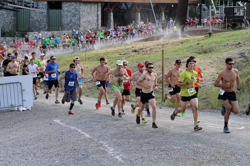 squaw-mt-run2015_aa-start04
