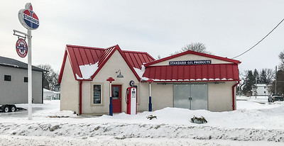 old Amoco gas station Prairie City IA  IMG_1540
