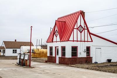 old Skelly Gas Station Lebo KS  IMG_2101