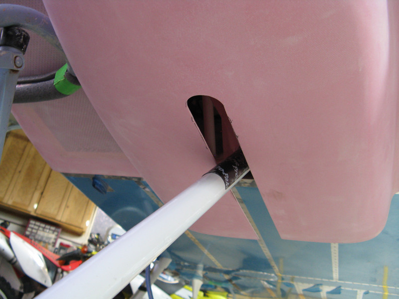 Here is the enlarged nose gear slot.