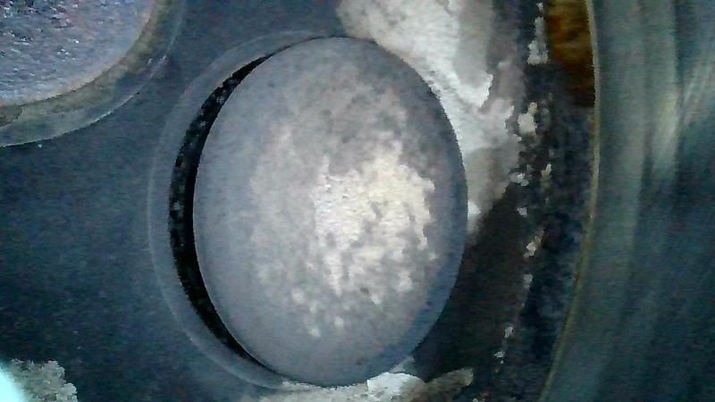 Cylinder #2 intake valve at 880.7 hours