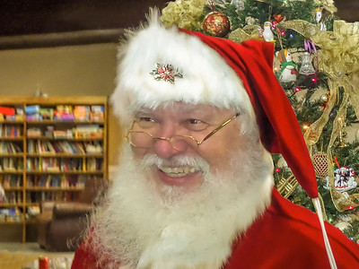1203-022252-DSC02259-Santa-Sing Along3