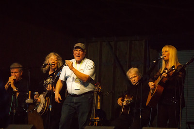 Curtis Coleman singing with The New Christy Minstrels