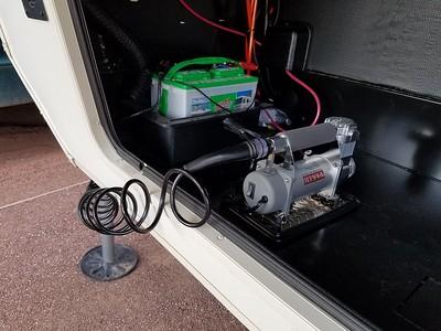 Viair 40047 400P-RV Automatic Portable Air Compressor