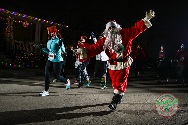 Christmas Light Run - 2016