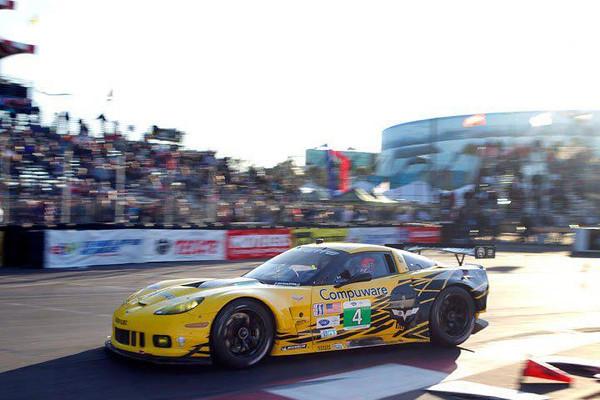 # 4 - 2013, ALMS GT2 at Long Beach 03