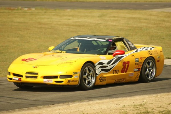 # 37 - 2005 SCCA T1 Danny Kellermeyer C5 at Waterford Hills 02