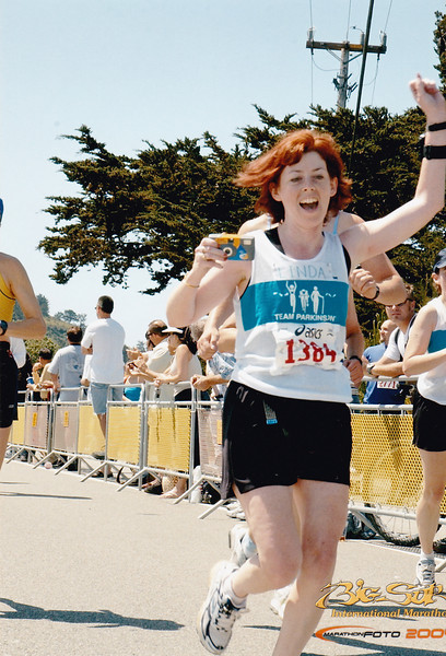 Linda bears down on the finish line!