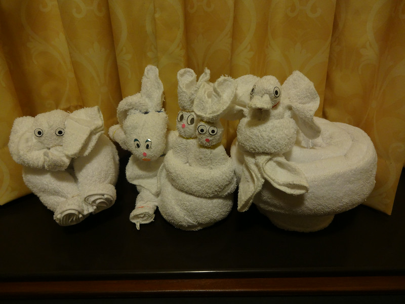 Back in our hotel for our final night we discover that the towel critters keep multiplying!