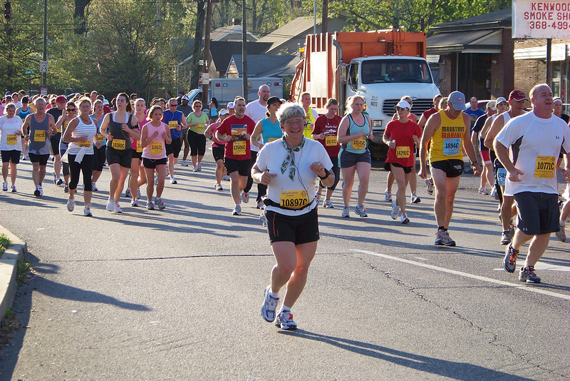 Jeane at the 2009 Ky Derby Festival Mini-Marathon.  Only a couple of miles into the race, but Jeane is already hot!