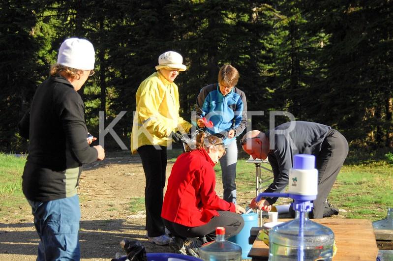 Hollyburn Lodge Aid Station Volunteers