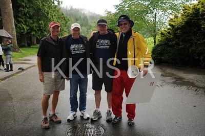 Kneeknacker veteran and fans.  Photo by VFK.