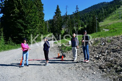 Cypress Volunteers.  Photo by Salvador Miranda