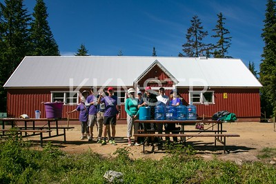 Hollyburn Lodge aid station volunteers.  Photo by Herman Kwong