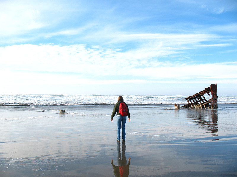 Sarah's first encounter with the Pacific Ocean at Fort Stevens State Park and the Peter Iredale shipwreck from 1906.