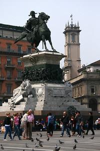 Monumento a Vittorio Emanuele II in the Piazza del Duomo