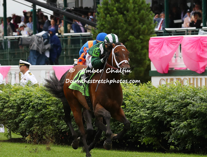 Green Mask wins the Twin Spires Turf Sprint