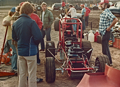 Larry Slutter was the man who instigated the original midget engine plan and he can be seen here with the blue jacket. Larry was VP of Cosworth at the time and was responsible for starting up Cosworth in the USA.