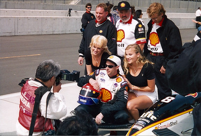 Brian Herta get some press with the girls and a Japanese photographer
