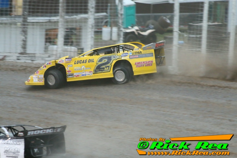 Bill Mooney NLRA Lucas Oil Late Model Riding The Cushion To The Extreme