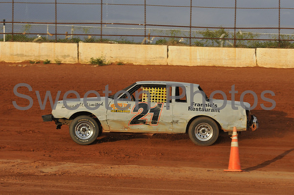 Pure/Street Stock at the New Hendry County Speedway on 4/12/08
