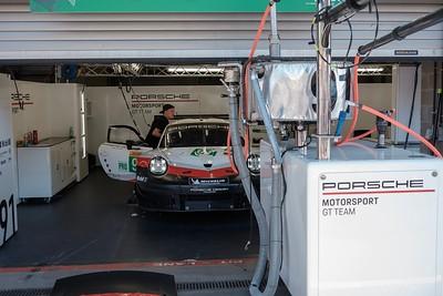 Porsche Team Garage