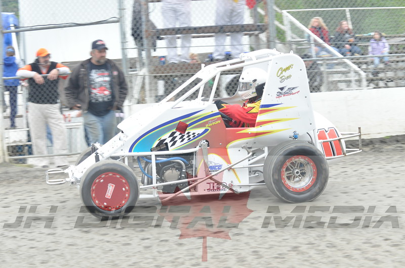April 30 2010 - Les Schwab Wingless Night 021