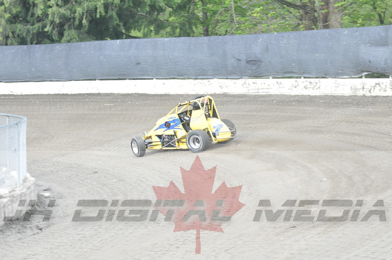April 30 2010 - Les Schwab Wingless Night 045