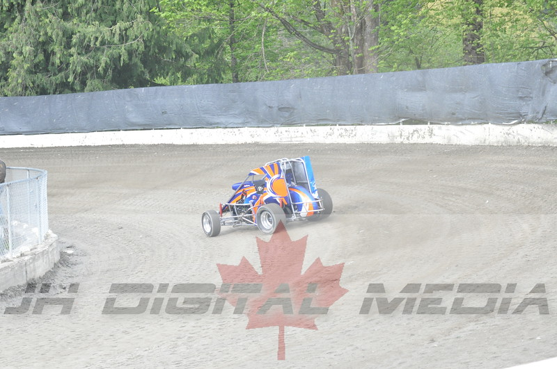April 30 2010 - Les Schwab Wingless Night 048