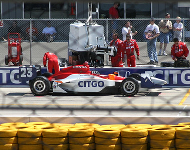 Milka Duno's car and pit