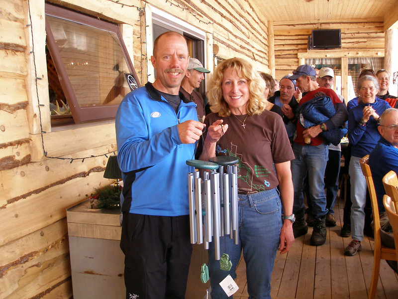 Overall champs Dave Maclean and Tracy Hardin with their winner's trophies.