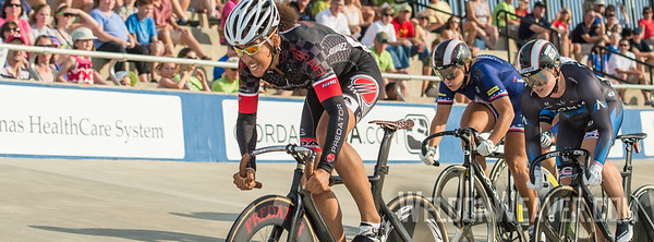Nissy Cobb attacks from the front.  Photo by Weldon Weaver.