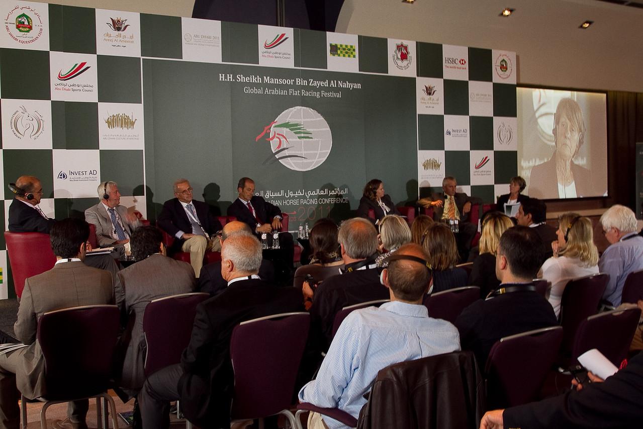 (l-r) Moderator, Redha Attia (TUN), Jean Pierre Totain, (Fr), Alban De Mieule (Fr/Qat), Erwan Charpy (Fr/UAE), Tracey Nunley (USA), Eric Lemartinel, (Fr/UAE), Gillian Duffield (UK/UAE)