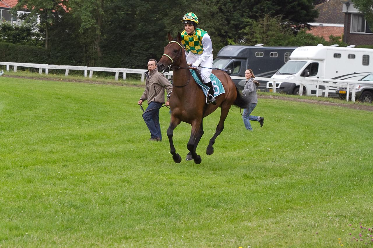 Tarfa with UAE jockey Shahtra Al Hajjaj