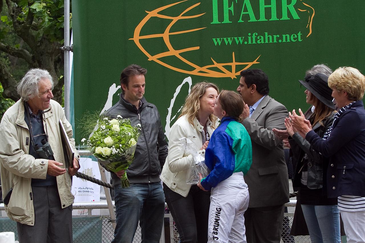 Serouda du Breuil wins IFAHR cup Josephine Bruning jockey<br /> Trainer Mw. K.R. v.d. Bos