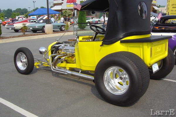 cars in the parking lot at Logans Roadhouse on highway 74  in Monroe