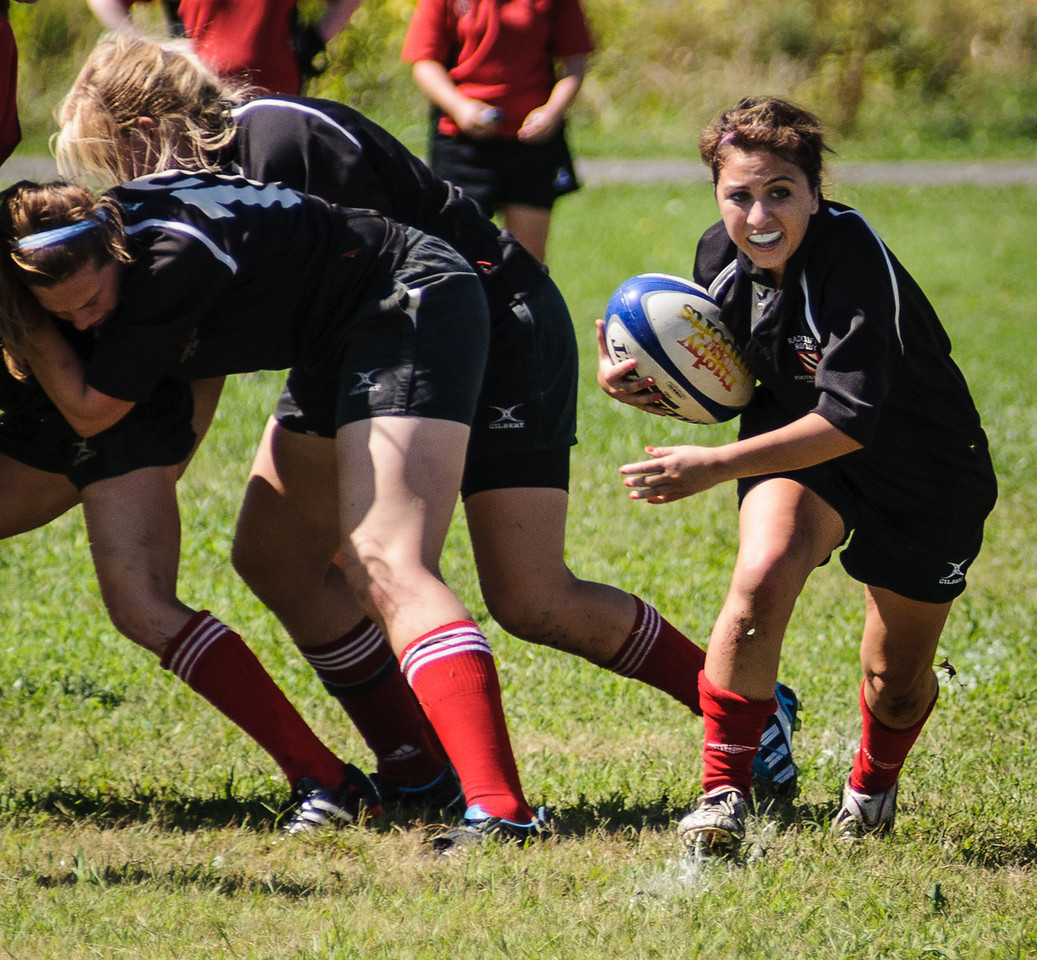 Radcliffe scrumhalf Ali Ramirez  (H '15) in the Beantown Semi-Finals. Photo by Lynne Skilken.