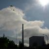 Greenpeace sobrevuela la central nuclear de Garoña