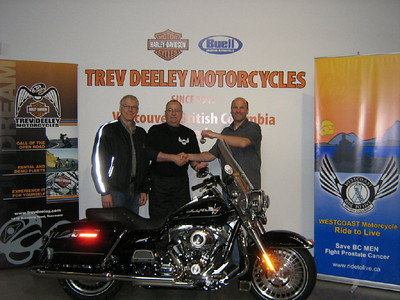 2010 RAFFLE WINNER RIDE TO LIVE Draw May 21st 2010 Congratulations to Captain Andre Guerin JTFG JEngr2 Canadian Armed Forces, from Victoria BC 2010 Harley Davidson Road King supplied by Trev Deeley Motorcycles Andre shown above in middle Darwin Osarchuk (right) Trev Deeley Motorcycles Malcolm Hunter (left) Harley Davidson Canada