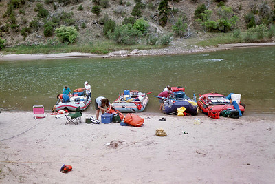 Next morning, attempting to get everything back in the rafts and head down river. After this morning, packing the raft became second nature.