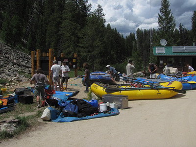 Rigging rafts at Boundary Creek the day before we launch