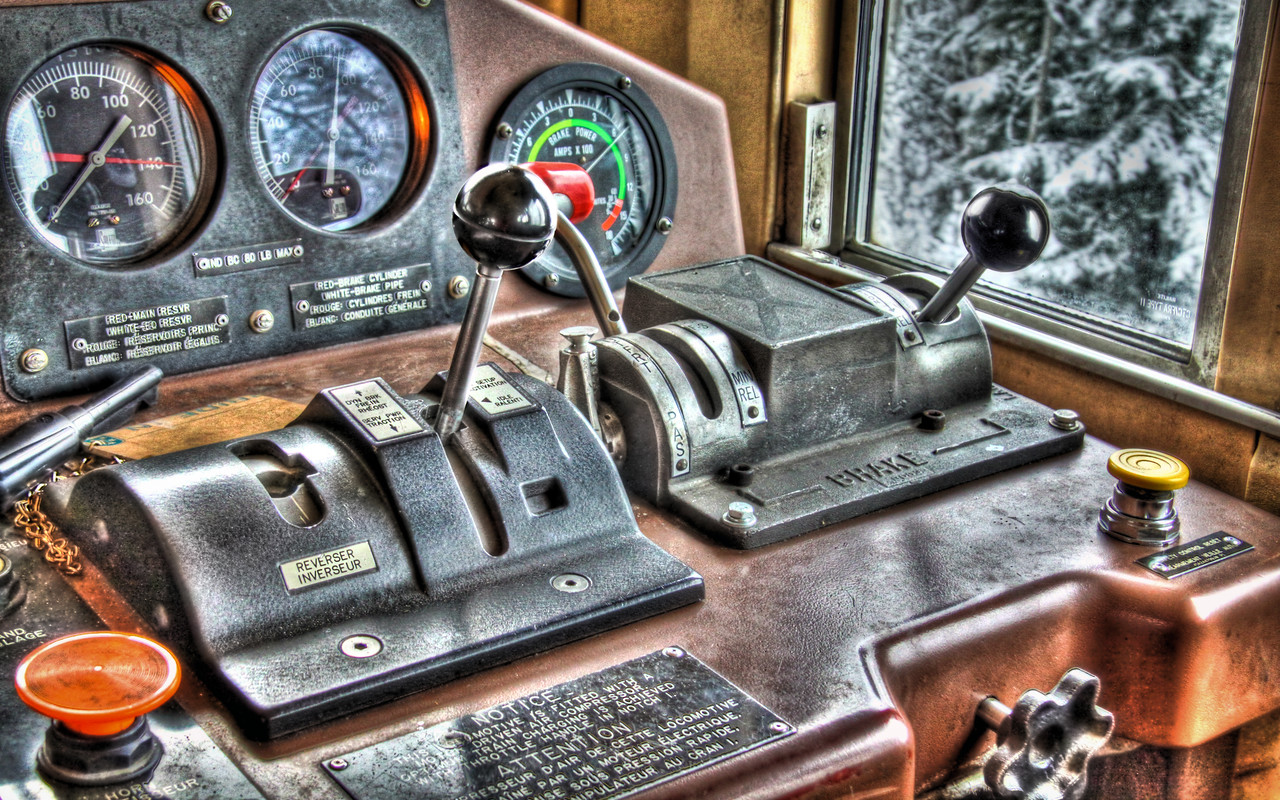 Controls of a General Electric CN 2445