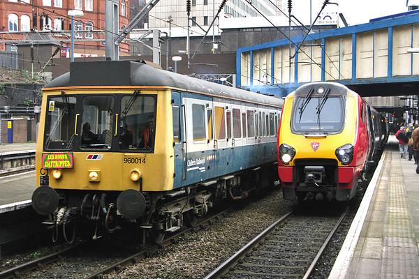 55022 and 221111, Birmingham New Street 26/3/2008 55022: 5Z51 0920 Tyseley TMD-Wolverhampton 221111: 1S47 1003 Birmingham New Street-Edinburgh