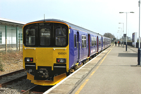 150001 Basingstoke 30/3/2012 2J32 1236 Basingstoke-Reading